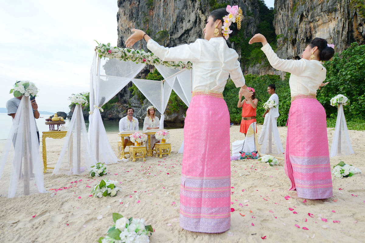 Wedding Ceremony Packages: Thai Style Wedding Ceremony Packages : Krabi, Thailand