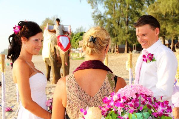 Lanta Island Elephant Marriage : Mimmie + Ola
