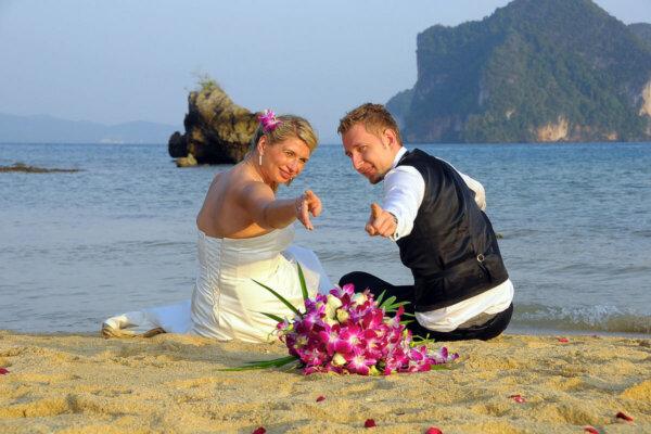 Rai Island Beach Marriage : Agnieszka + Michal